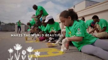 Comcast Cares Day TV Spot, 'Make the World Beautiful'