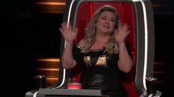 XFINITY Stream App TV Spot, 'NBC: Tearing Up' Featuring Kelly Clarkson - Thumbnail 6