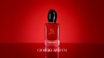 Giorgio Armani Sì Passione TV Spot, 'Another facet of Sì: Adwoa Aboah' - Thumbnail 9