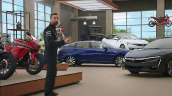 Honda Dream Garage Spring Event TV Spot, 'Electrifying' [T2] Feat. James Hinchcliffe - Thumbnail 4