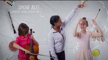 Mattress Firm Foster Kids TV Spot, 'Actividades' con Simone Biles [Spanish]