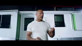 Apple iPhone 7 TV Spot, 'The Rock x Siri: Reminder' Feat. Dwayne Johnson - Thumbnail 5