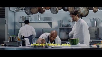Apple iPhone 7 TV Spot, 'The Rock x Siri: Kitchen' Featuring Dwayne Johnson - Thumbnail 4