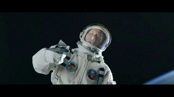 Apple iPhone 7 TV Spot, 'The Rock x Siri: Sunset Selfie' Ft. Dwayne Johnson - Thumbnail 1