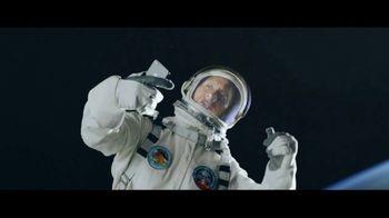 Apple iPhone 7 TV Spot, 'The Rock x Siri: Sunset Selfie' Ft. Dwayne Johnson - Thumbnail 2