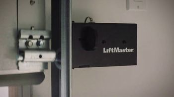 LiftMaster Automatic Garage Door Lock TV Spot, 'Ultimate Security' - Thumbnail 7