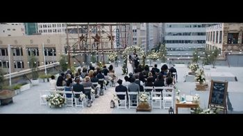 Verizon Unlimited TV Spot, 'Live Wedding: Pixel' Ft. Thomas Middleditch - Thumbnail 1