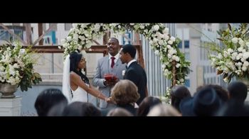 Verizon Unlimited TV Spot, 'Live Wedding: Pixel' Ft. Thomas Middleditch - Thumbnail 2