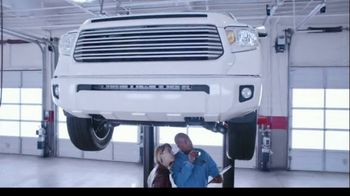 Firestone Complete Auto Care TV Spot, 'Lift'