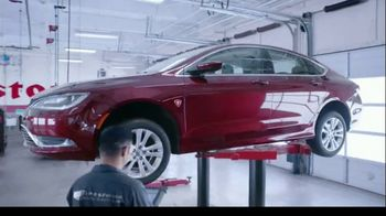 Firestone Complete Auto Care TV Spot, 'Lift' - Thumbnail 4