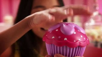 Cupcake Surprise TV Spot, 'Find the Magic Inside' - Thumbnail 4