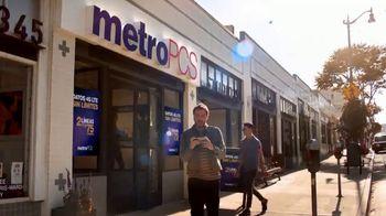 MetroPCS TV Spot, 'El mejor plan sin límites: fan' [Spanish] - Thumbnail 5