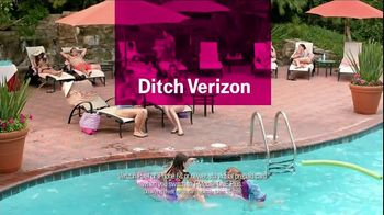 T-Mobile TV Spot, 'Turn Your Back on Verizon' Song by Naked Eyes - Thumbnail 9