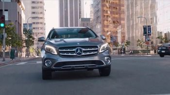 2018 Mercedes-Benz GLA TV Spot, 'Getaway' [T1] - Thumbnail 10