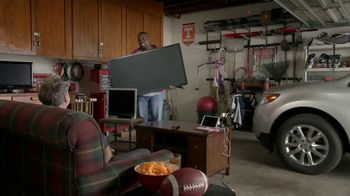 Dish Network Multi-View TV Spot, 'The Spokeslistener: Man Cave' - Thumbnail 2