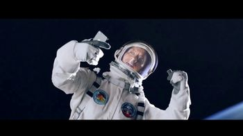 Apple iPhone 7 TV Spot, 'La Roca x Siri: tiempo' [Spanish] - Thumbnail 8
