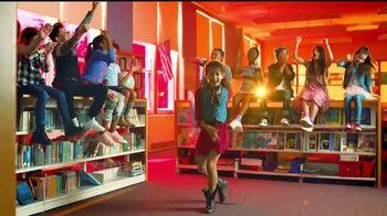 Macy's TV Spot, 'El mejor año' canción de Care Bears on Fire [Spanish] - Thumbnail 5