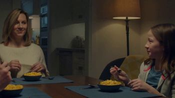 Kraft Macaroni & Cheese Shapes TV Spot, 'Spectator' - Thumbnail 8
