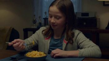Kraft Macaroni & Cheese Shapes TV Spot, 'Spectator' - Thumbnail 7