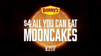 Denny's $4 All You Can Eat Mooncakes TV Spot, 'Eclipse' - Thumbnail 3