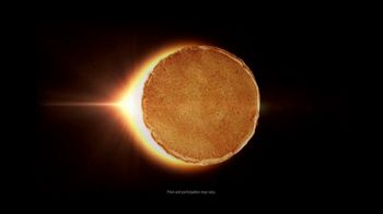 Denny's $4 All You Can Eat Mooncakes TV Spot, 'Eclipse' - Thumbnail 2