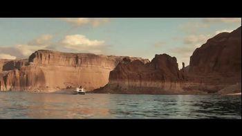 GEICO Boat TV Spot, 'Beach Camp' Featuring Drake White - Thumbnail 1