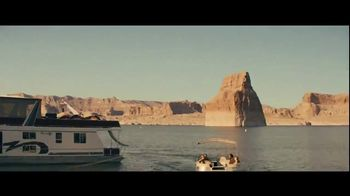 GEICO Boat TV Spot, 'Beach Camp' Featuring Drake White - Thumbnail 3
