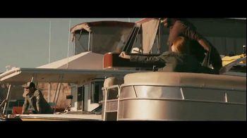 GEICO Boat TV Spot, 'Beach Camp' Featuring Drake White - Thumbnail 5