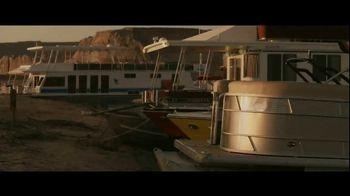 GEICO Boat TV Spot, 'Beach Camp' Featuring Drake White - Thumbnail 7