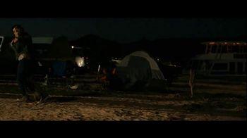 GEICO Boat TV Spot, 'Beach Camp' Featuring Drake White - Thumbnail 8