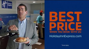 Holiday Inn Express TV Spot, 'Breakfast Love' Featuring Rob Riggle - Thumbnail 7
