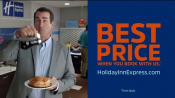Holiday Inn Express TV Spot, 'Breakfast Love' Featuring Rob Riggle - Thumbnail 8