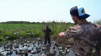 Bass Pro Shops Fall Hunting Classic TV Spot, 'Decoy Overload' - Thumbnail 3