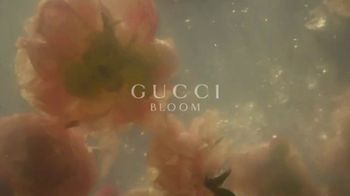 Gucci Bloom TV Spot, 'Campaign Film' Ft. Dakota Johnson, Song by Portishead - Thumbnail 6