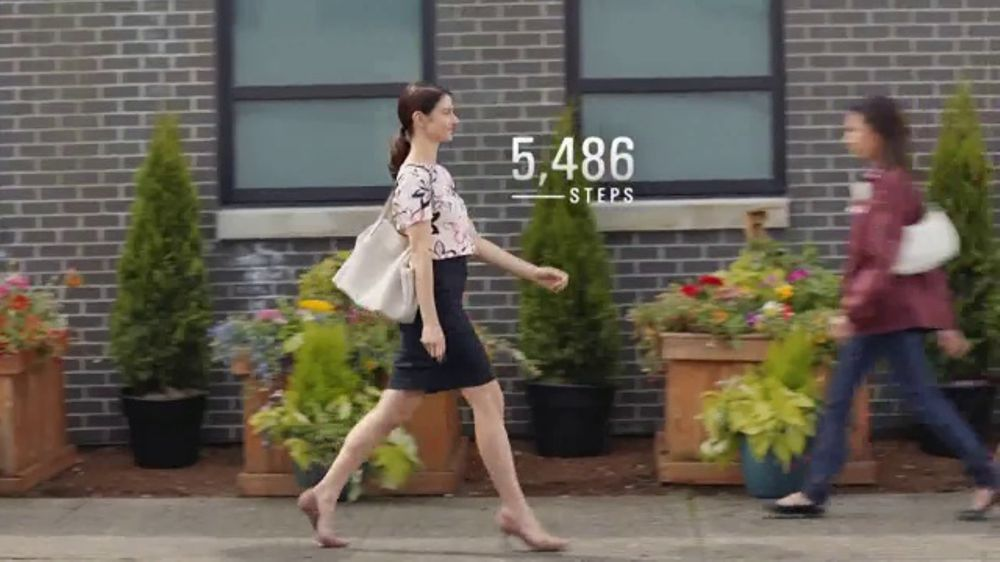 Dr. Scholl's Stylish Step TV Commercial, 'Maria's Always on the Go'