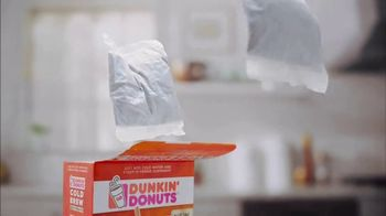 Dunkin' Donuts Cold Brew Coffee Packs TV Spot, 'Craft Coffee' - Thumbnail 2