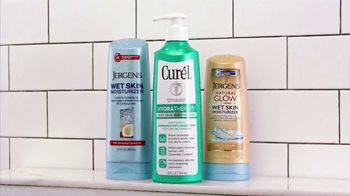 Jergens TV Spot, 'Shower to Stage' Featuring Sara Evans - Thumbnail 7