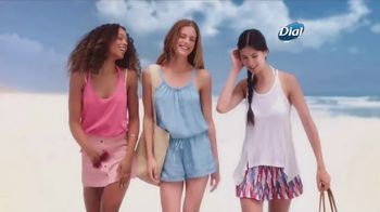 Dial Hibiscus Water Body Wash TV Spot, 'Beach Day'