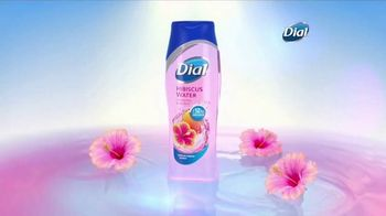 Dial Hibiscus Water Body Wash TV Spot, 'Beach Day' - Thumbnail 5
