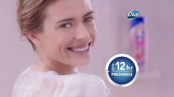 Dial Hibiscus Water Body Wash TV Spot, 'Beach Day' - Thumbnail 7