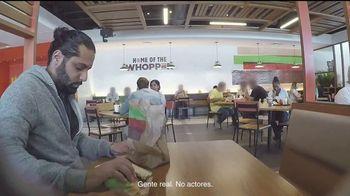 Burger King 2 for $6 Whopper Deal TV Spot, 'Sorpresa' [Spanish] - Thumbnail 2