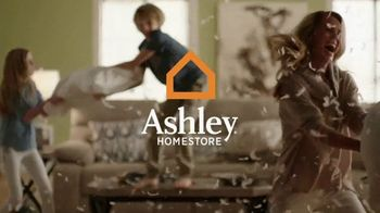 Ashley Furniture Homestore TV Spot, 'Turn Up the Wow' - 1370 commercial airings