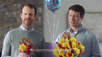 Edible Arrangements TV Spot, 'Brotherly Competition' - Thumbnail 9