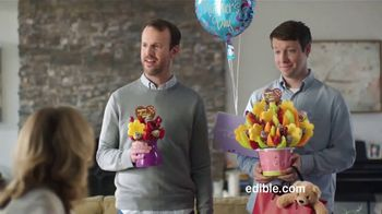 Edible Arrangements TV Spot, 'Brotherly Competition' - Thumbnail 6