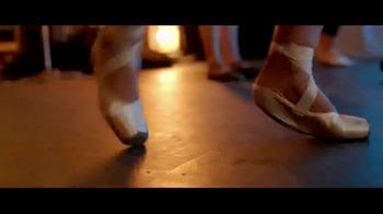 Band-Aid Skin-Flex TV Spot, 'Bailarina' [Spanish] - Thumbnail 1
