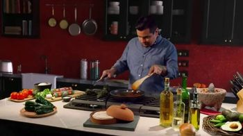 Cacique TV Spot, 'Mom's Recipes' Featuring Aarón Sanchez