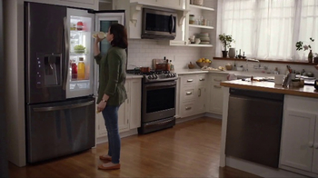 LG InstaView Door-in-Door Refrigerator TV Spot, 'Dad's Lemonade' - Thumbnail 3