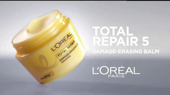 L'Oreal Paris Total Repair 5 TV Spot, 'Repara' con Jennifer Lopez [Spanish] - Thumbnail 2
