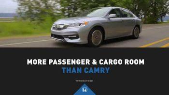 Honda Dream Garage Sales Event TV Spot, '2017 Accord vs. 2017 Camry' [T2] - Thumbnail 3