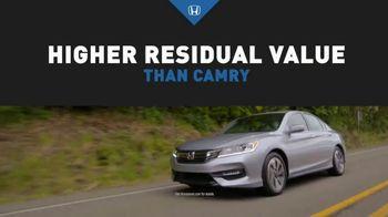 Honda Dream Garage Sales Event TV Spot, '2017 Accord vs. 2017 Camry' [T2] - Thumbnail 4
